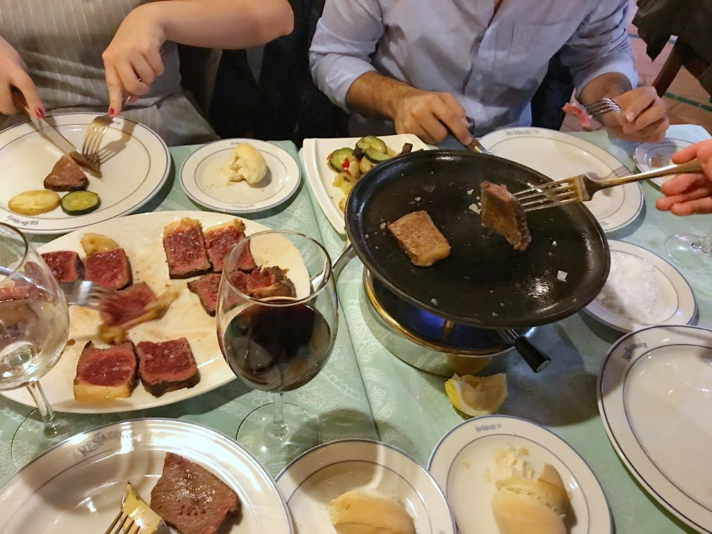 El Churrasco grilled meat: eating in Cordoba, Spain