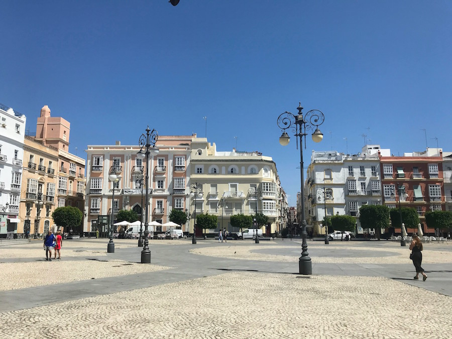 A typical square in Cádiz, Spain